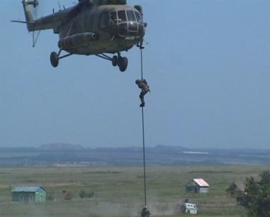 روسيا تعزز قدراتها العسكرية بمناورات