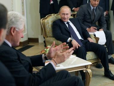 بوتين يقلل من أهمية فضيحة التجسس الروسي ويقول أن الشرطة الأمريكية