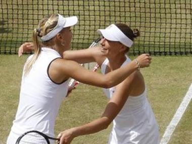 فيسنينا وزفوناريوفا تضعان حداً لسلسلة انتصارت الشقيقتين وليامز