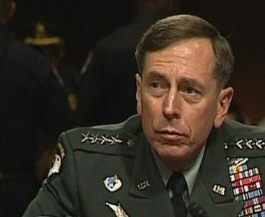 مجلس الشيوخ الأمريكي يقر تعيين بترايوس قائدا لقوات الناتو في أفغانستان