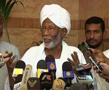 السلطات السودانية تفرج عن زعيم حزب المؤتمر الشعبي المعارض حسن الترابي