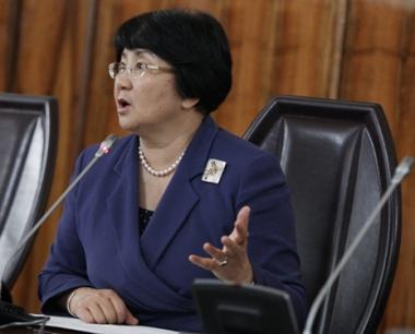 روزا أوتونبايفا تتولى رسميا منصب رئيسة قرغيزيا