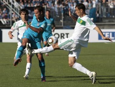 زينيت يعزز صدارته للدوري الروسي الممتاز لكرة القدم