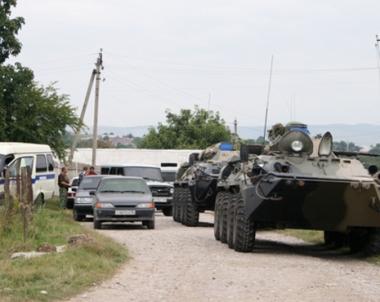 مقتل جنديين اثنين واصابة 5 آخرين في هجوم على قافلة عسكرية جنوب روسيا