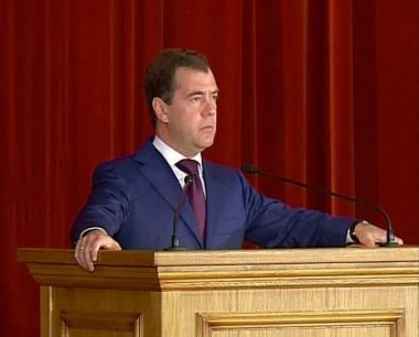 مدفيديف: لا يحق لروسيا والولايات المتحدة التوقف على درب اقامة العلاقات الجيدة