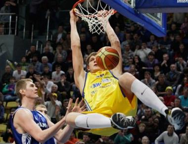 الروسي موزغوف يكمل مشواره في الدوري الأمريكي لكرة السلة للمحترفين