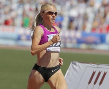الروسية آنا آلمينوفا بطلة لسباق 1500 م في باريس