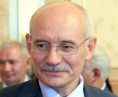 البرلمان البشكيري يصادق على تعيين رستم حميدوف رئيسا للجمهورية