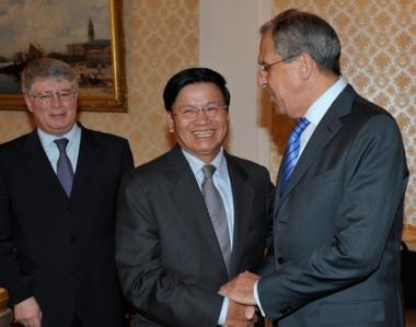 لافروف يبحث آفاق التعاون بين روسيا ولاوس في مجال الطاقة والمسائل العسكرية  ـ التقنية