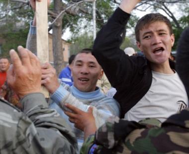 احتجاجات في قرغيزستان ضد نشر قوات أمن دولية