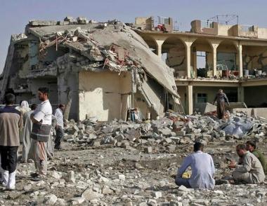 مقتل 19 على الأقل في انفجار سيارتين مفخختين في كربلاء