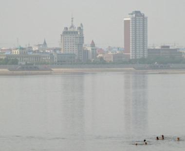 موسكو تطالب بكين بتوضيحات حول تسرب مواد سامة الى  نهر آمور