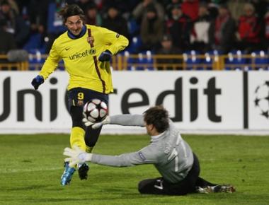 إبراهيموفيتش باق مع برشلونة
