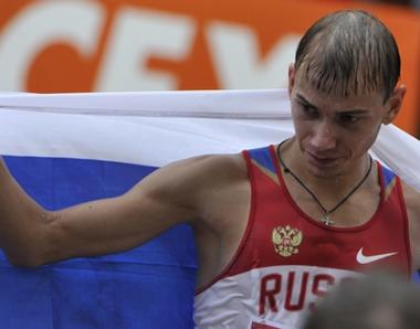 الروسي باكولين يحرز برونزية سباق المشي لمسافة 50 كلم