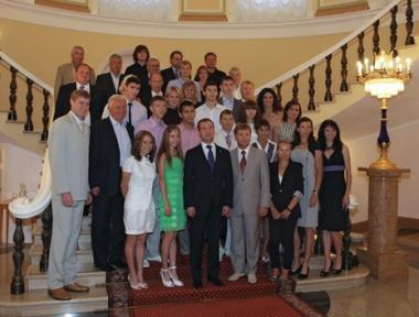 ميدفيديف يستقبل أبطال أوروبا لألعاب القوى في الكرملين