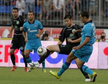زينيت الروسي يواجه أوكسير الفرنسي في ملحق دوري أبطال أوروبا