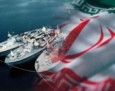 القوات البحرية الايرانية تستلم 12 زورقا سريعا مجهزة بالصواريخ والطوربيدات