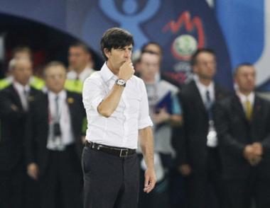 لوف يؤجل اختيار كابتن المنتخب الألماني