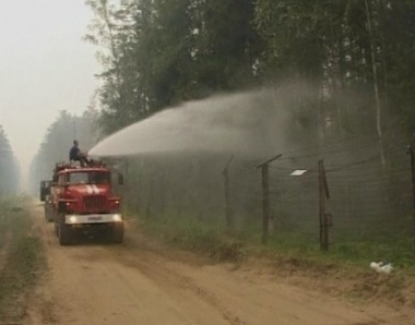 حريق غابات ضخم يهدد مركز ساروف النووي وسط روسيا