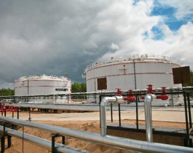 ارتفاع حجم استخراج النفط الروسي بنسبة 2.7% خلال الاشهر السبعة الاولى لعام 2010