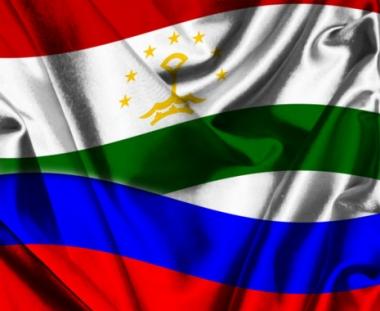 مدفيديف وامام على رحمان يبحثان الوضع في قرغيزيا والتعاون بين روسيا وطاجيكستان