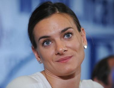 ايسينباييفا تعود الى منافسات القفز بالزانة في بداية عام 2011