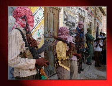 مقتل 4 جنود اوغنديين جراء قصف القصر الرئاسي في مقديشو والرئيس شيخ احمد يدعو الى مساعدة عاجلة