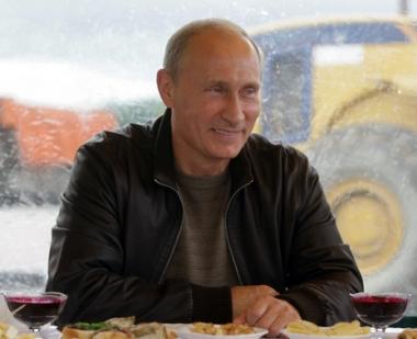 بوتين يعتبر هراء كاملا تلك الشائعات حول مواصلته قيادة البلاد عمليا