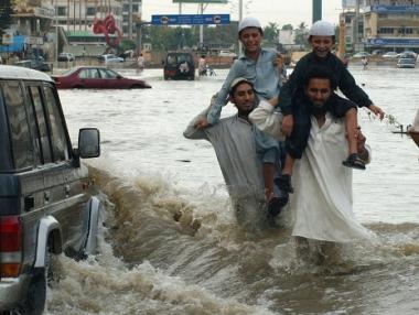 مياه الفياضانات بدأت تنحسر في جنوب باكستان ولكن الخطر مازال قائما
