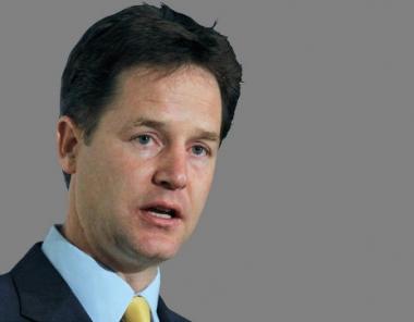 الوحدات العسكرية البريطانية ستنسحب كليا من افغانستان بحلول عام 2015