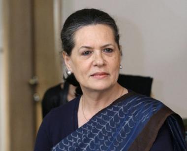 انتخاب سونيا غاندي رئيسة لحزب المؤتمر الوطني الهندي للمرة الرابعة على التوالي