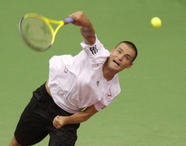 الروسي يوجني الى ثالث أدوار بطولة الولايات المفتوحة