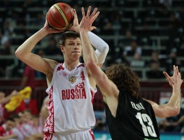 روسيا وجهاً لوجه مع الولايات المتحدة في بطولة العالم لكرة السلة