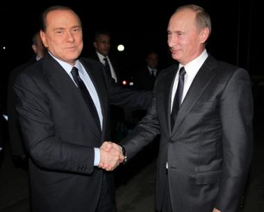 بوتين وبيرلوسكوني يبحثان تعزيز العلاقات الروسية الإيطالية وسبل إطالة عمر البشر