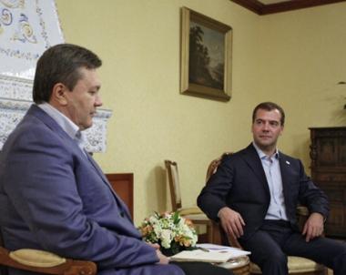 يانوكوفيتش يشيد بتنمية العلاقات الروسية الاوكرانية ويقترح القيام بمشاريع مشتركة جديدة
