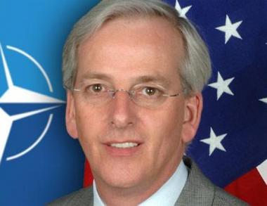 السفير الأمريكي لدى حلف الناتو: نريد ان نرى روسيا شريكا لنا