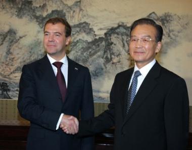 مدفيديف: علاقات الشراكة الاستراتيجية  بين روسيا والصين تعتبر احد عوامل التطور الدولي