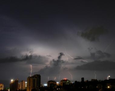 مصرع 14 شخصا في سيول وفيضانات جنوب روسيا