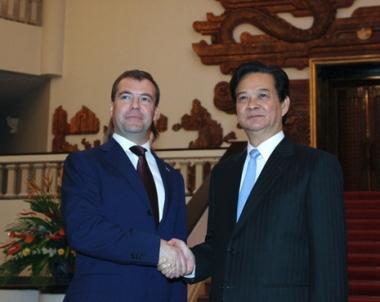 مدفيديف يؤكد بلوغ روسيا وفيتنام مستوى جديدا من التعاون