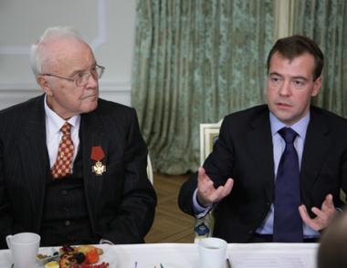 الرئيس مدفيديف: على الدولة تأمين أقصى حماية للصحافيين
