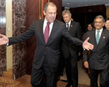 وزيرا خارجية روسيا والهند يبحثان الاستعداد لزيارة الرئيس مدفيديف القادمة الى الهند
