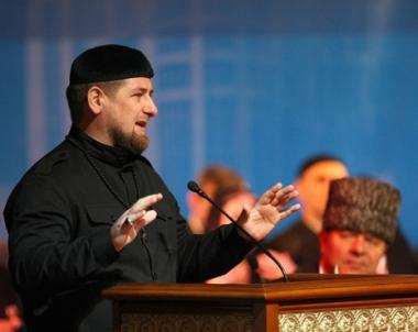 قادروف : الاجهزة الامنية الشيشانية تبحث عن مسلح يحمل الجنسية الجورجية يشتبه بتورطة بجرائم قتل