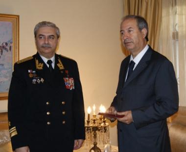 تسليم ميدالية شرف لسفير المملكة المغربية لدى موسكو