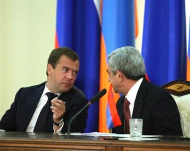 الرئيس الارمني: يريفان تأمل في نجاح الوساطة الروسية في تسوية قضية قره باغ