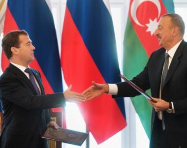الرئيس الاذربيجاني يشيد باسهام نظيره الروسي في تسوية مشكلة قره باغ