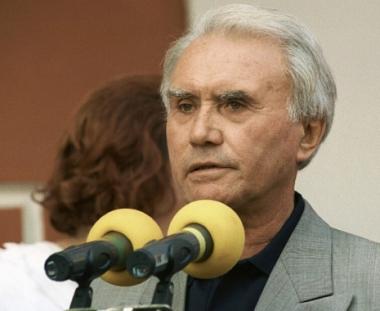 فلاديمير ماسلاتشينكو – حارس مرمى ومعلق رياضي مشهور