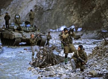 وزير داخلية روسيا: قوات الامن الداخلي الروسية قضت على 84 مسلحا في شمال القوقاز عام 2010