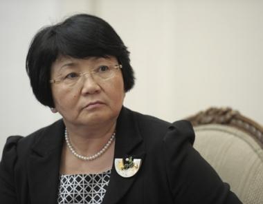 الرئيسة القرغيزية تكلف حزب