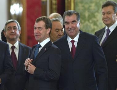 رئيس روسيا يؤكد أهمية قرار قمة رابطة الدول المستقلة بإكمال العمل على اتفاقية منطقة التجارة الحرة