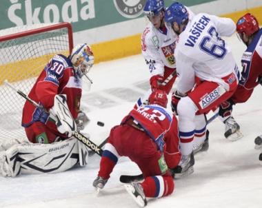روسيا تحقق فوزها الثاني في كأس القناة الأولى لهوكي الجليد